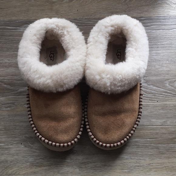 6ca89df25a49 Women s ugg Wrin slipper. M 5c0d7fa0a5d7c64185e08666